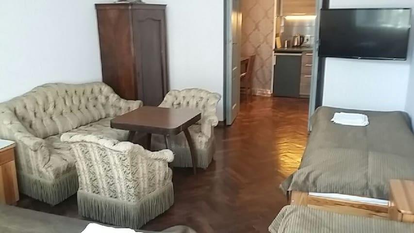 AQQ apartment