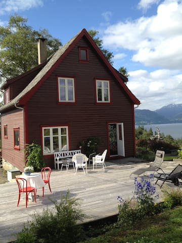 Møllerhaug - Skånevik - Casa