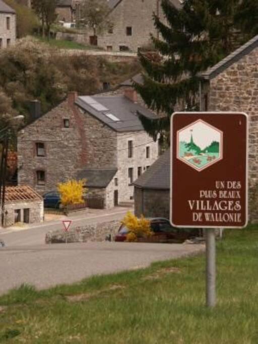 """""""les plus beaux villages de wallonie"""" vierves sur viroin"""