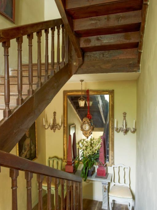 17th century oak staircase to bedrooms