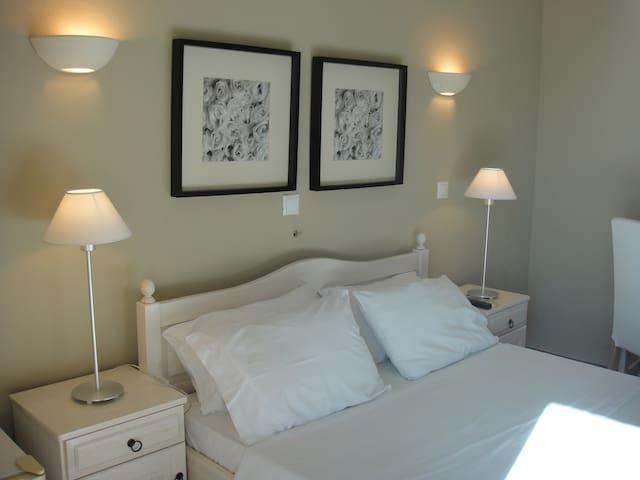 Paradisos b&b room 6 - Άγιοι Πάντες - Bed & Breakfast