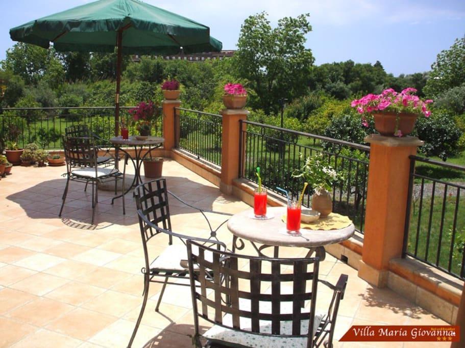 Il terrazzo con vista etna