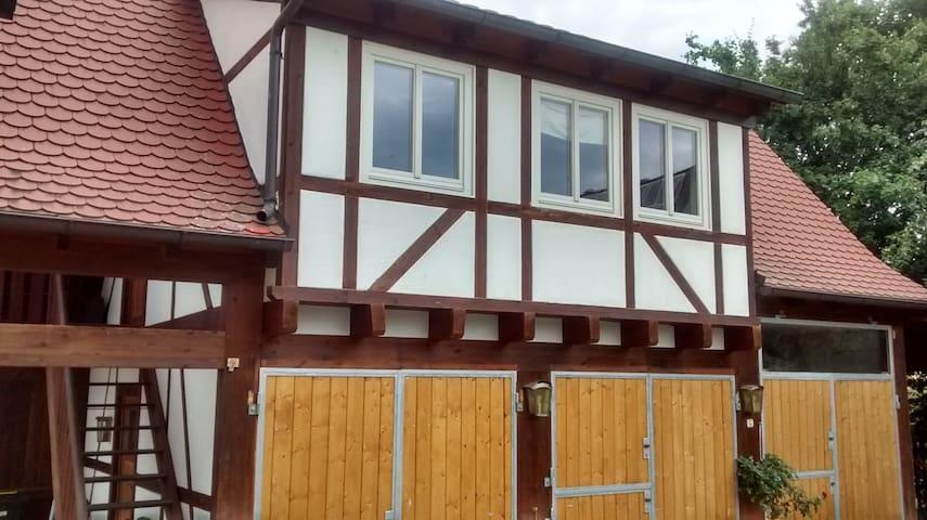 Nürnberg, Autobahnnähe A3, A6, A9 - Leinburg