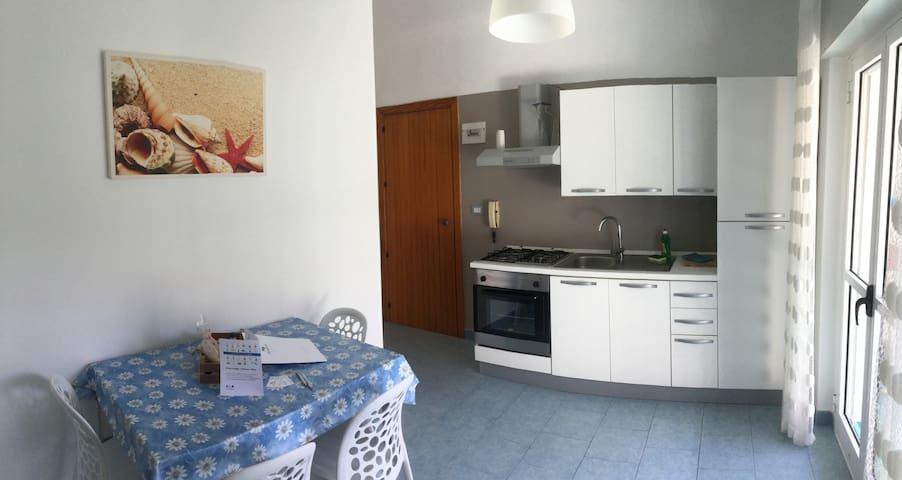 Appartamento a Baia dei Faraglioni - BILOCALE-