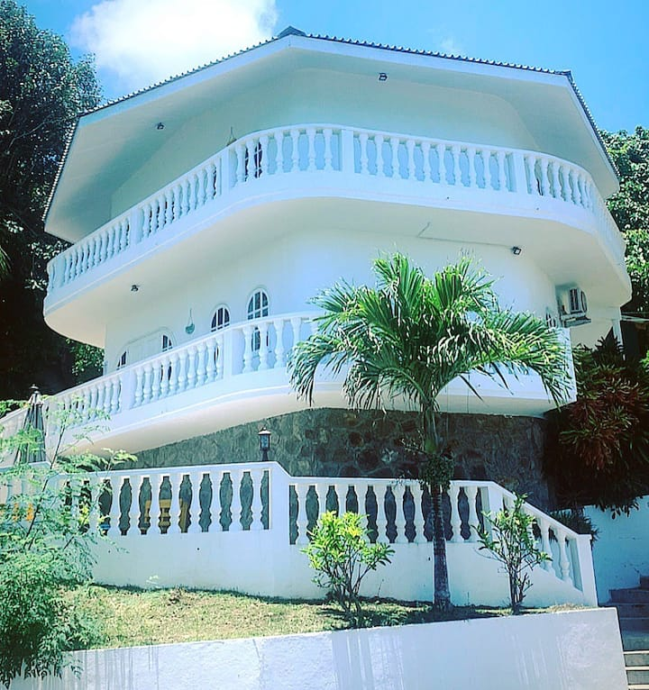 Dolphin EPEA Ocean View Self Catering Apartment
