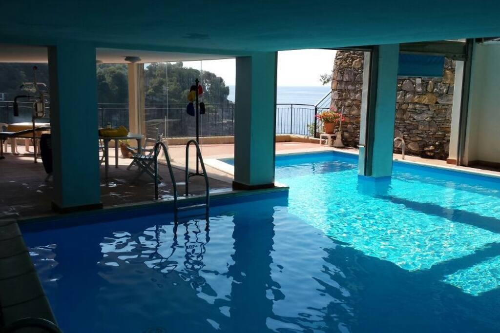 piscina interno/esterno