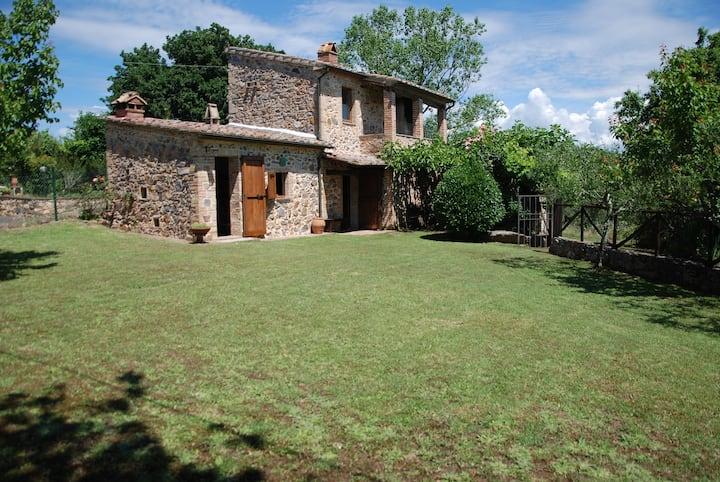 Charming rural house in Iesa