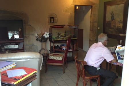 Chambre d'hote et Restaurant - Marcillat-en-Combraille - Bed & Breakfast