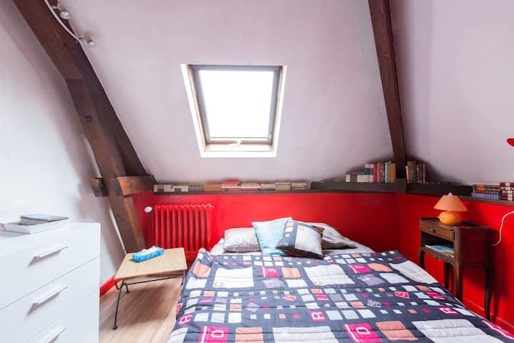 chambre dans grande maison familiale (1)