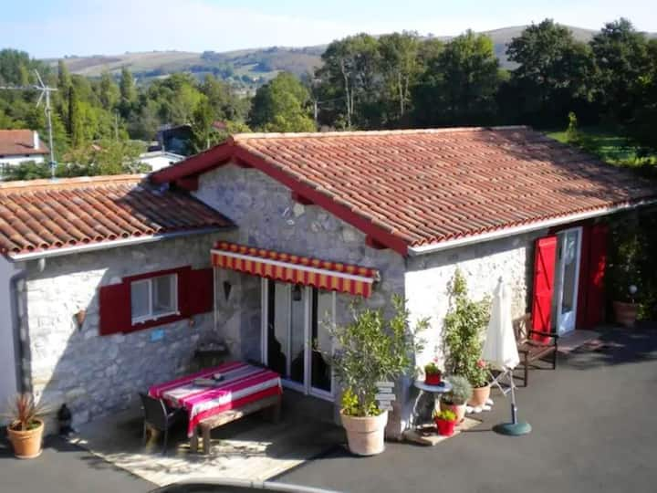 House with 2 bedrooms in Saint-Esteben, with wonderful mountain view and enclosed garden - 20 km from the beach