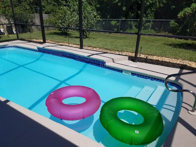 Pool Suite Plus-Minutes To Gulf Beaches