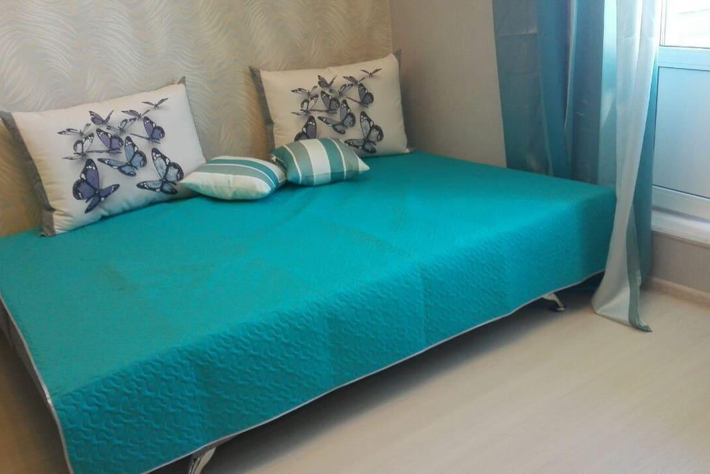 Двуспальный комфортный диван-кровать