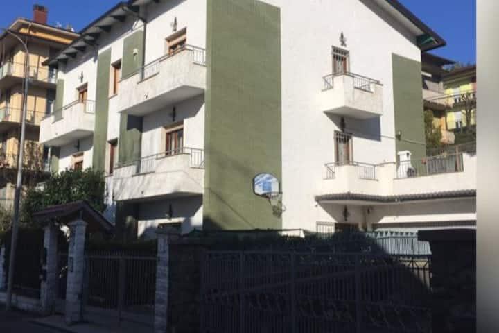 PAVULLO-casa vicina al centro sull'Appennino-MO