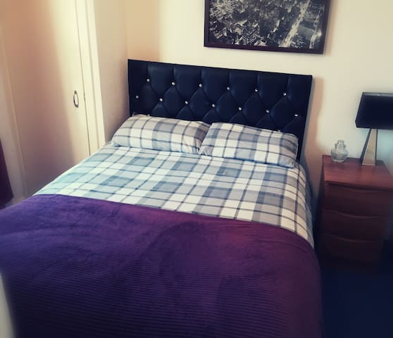 Cosy double room in the centre of Enniskillen