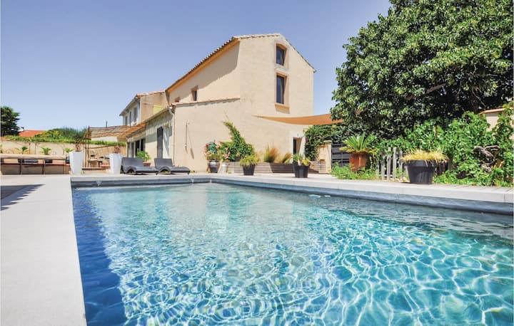 Amazing home in Narbonne with 4 Bedrooms