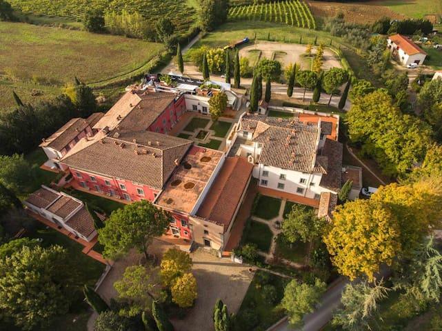 Trilocale 6 posti in borgo in Toscana