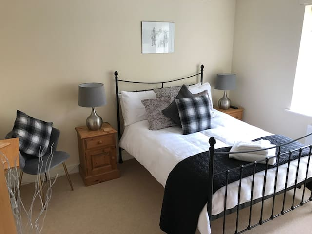Lovely comfortable double bedroom