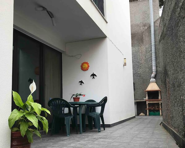 APPART with private OUTDOOR, nearby MACHICO BEACH