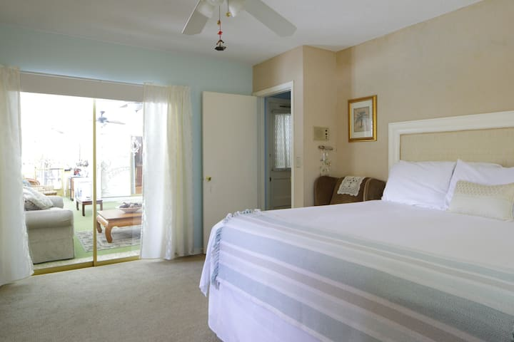 Paradise Suite awaits you...  let me pamper you!