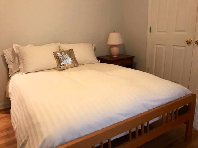 Bedroom #3 (double bed)