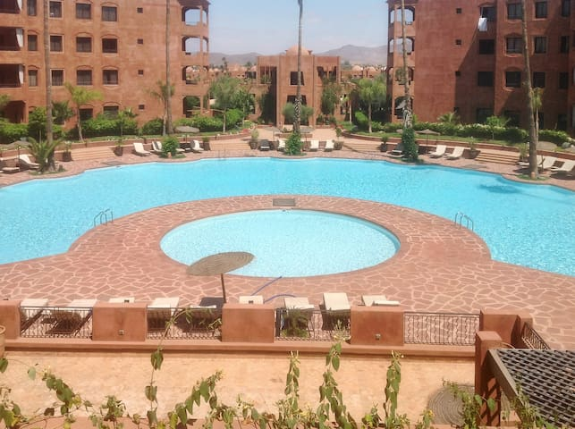 Apartment with balcony and 2 pools - Marrakesh