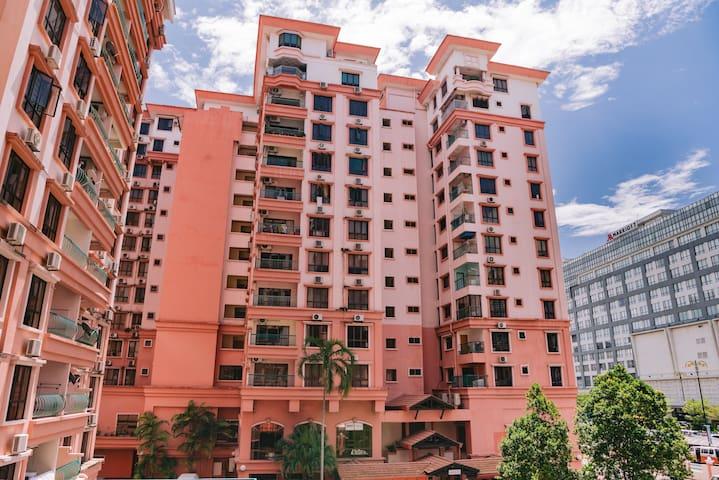 Sunshine Homestay @Marina Court Resort Condominium
