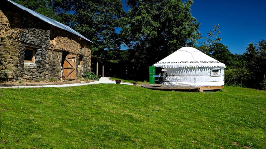 Idyllic, secluded yurt in the Cornish countryside