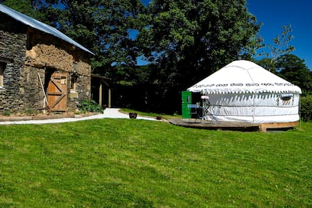 Idyllic, secluded yurt in the Cornish countryside