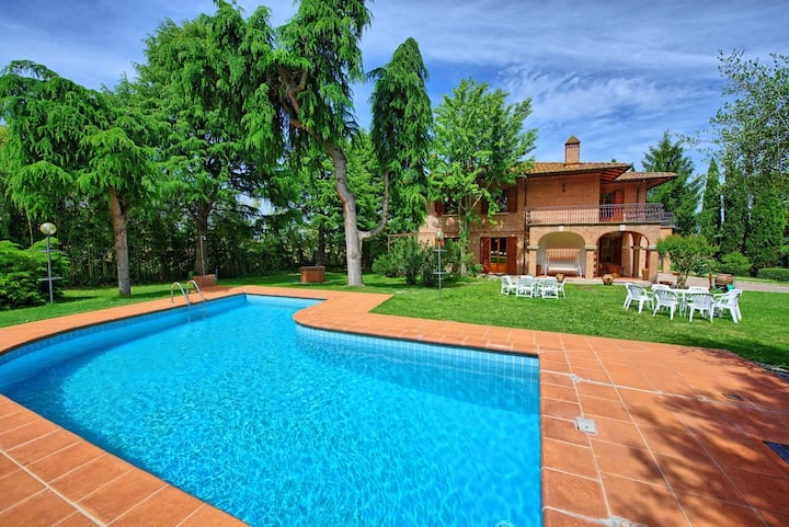 Villa Lauretana - Vacation Rental in Torrita di Siena, Tuscany