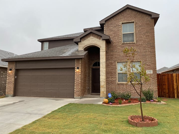 Weaver's house-up to 5 BR. Parks Bell Odessa Tx.