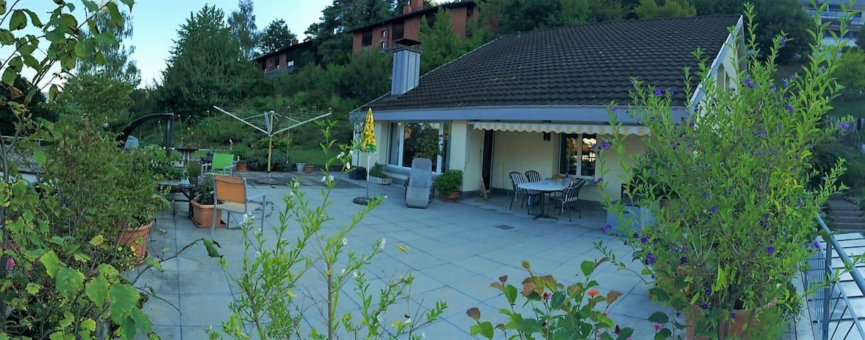 Doppelzimmer in gemütlichem Einfamilienhaus - Pfungen - Dům