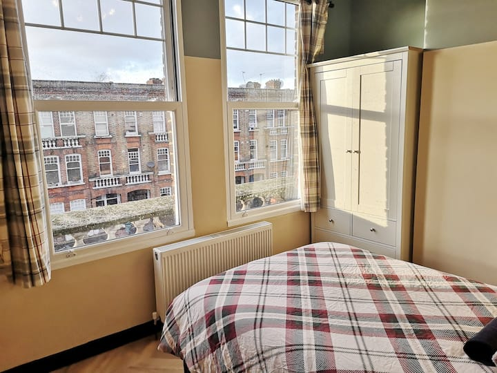 Small and Cosy - Battersea - Clapham