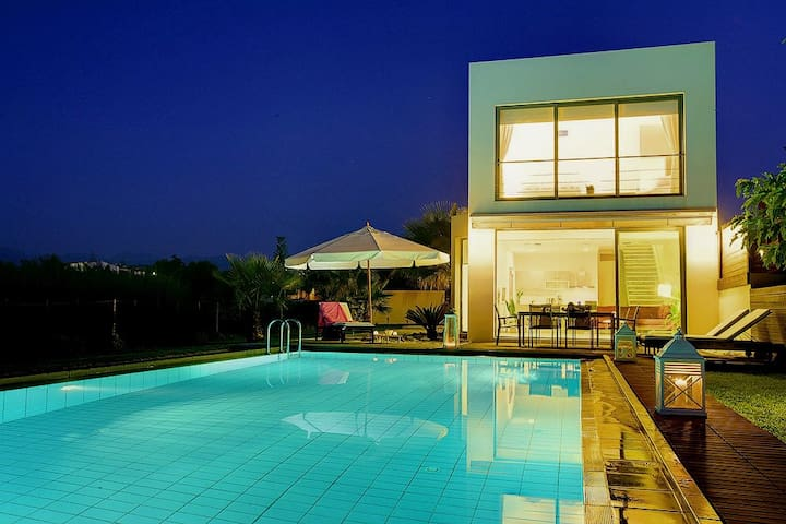 Blue Sea Luxury Waterfront Villa, Chania, Crete - Chania - Villa