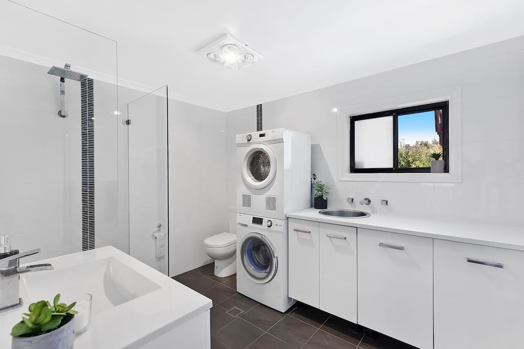 Master Bedroom ensuite and  laundry with washer and dryer