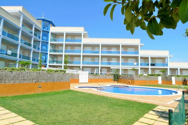 Planta baja con ideal para familias - Roda de Berà - Lägenhet