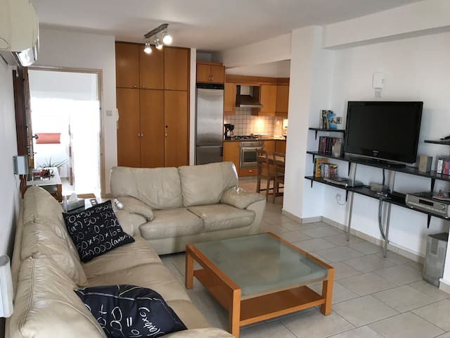 Nicosia Stavrou Avenue Luxury modern 2 bed aprtm