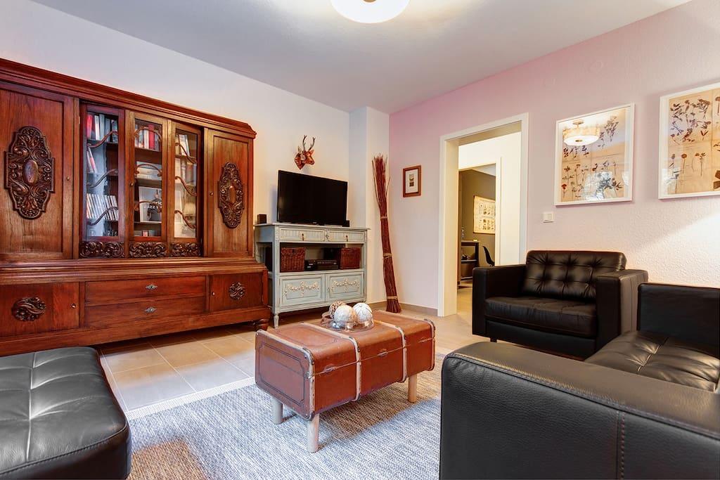 bienvenue chez charlotte saarbr cken apartments for. Black Bedroom Furniture Sets. Home Design Ideas