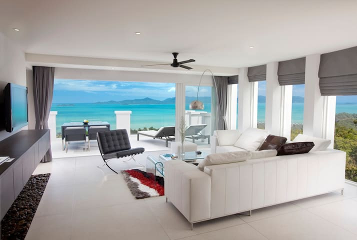 Stunning Sea View 2 rooms with Private Pool