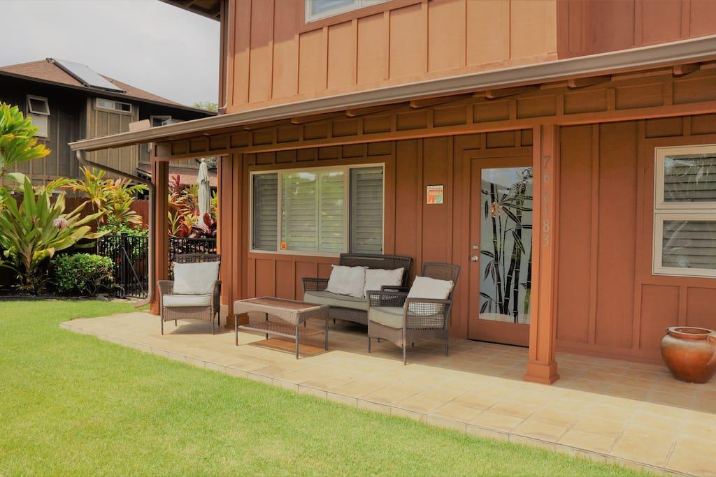 Lanai Yard / Sitting Area