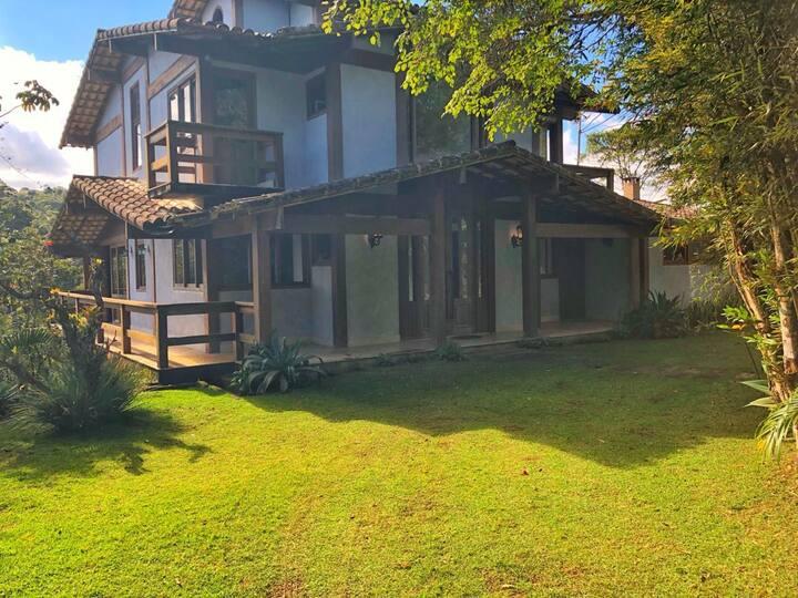 Casa ampla e charmosa no Soído, Domingos Martins