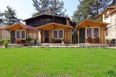 Tahtalı dağı eteklerinde Beycik köy - Beycik - Domek parterowy