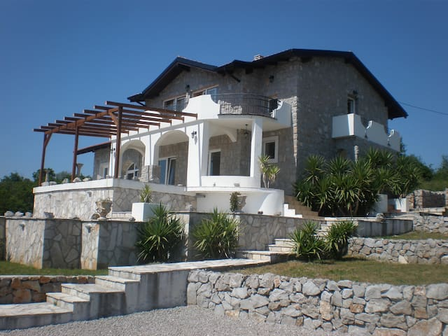 Stone House, Cozy Interior - Krimovica