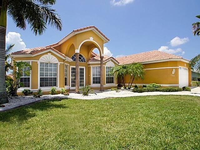 Beautiful house in Cape Coral / FL