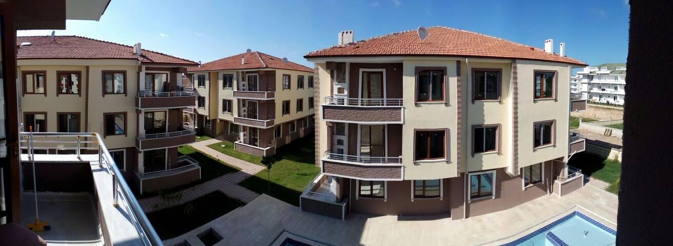 GUNLUK KIRALIK HAVUZLU SITEDE DAIRE - karasu - Apartment