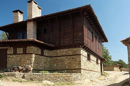 Unique Bulgarian Revival House - Zheravna - House - 2