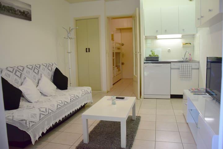 Studio cabine climatisé avec terrasse