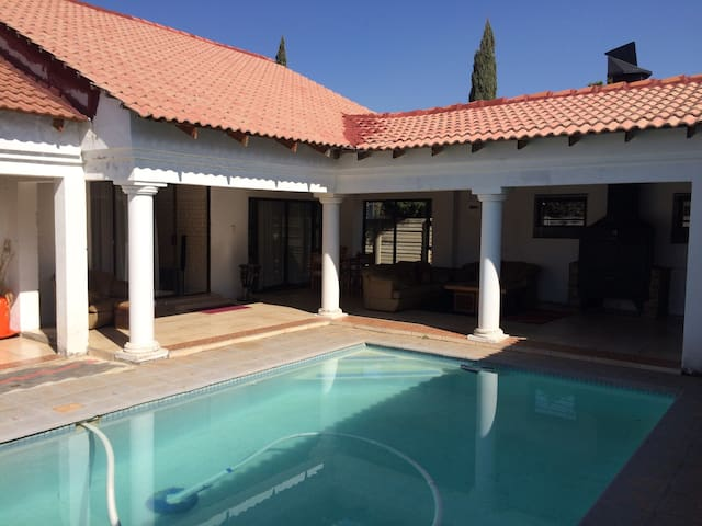 En-suite bedroom with shower - Potchefstroom - House