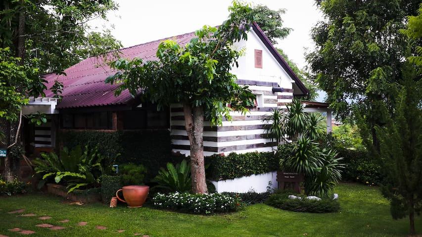 Mountain Pano Homestay Villa 1