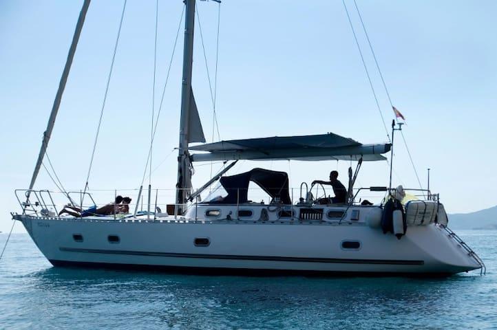Sailing&Sleep in Ibiza-Formentera