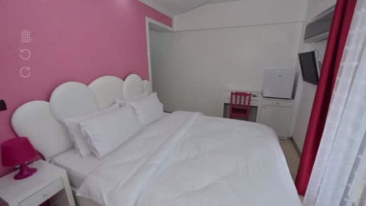 Çift kişilik banyolu özel oda